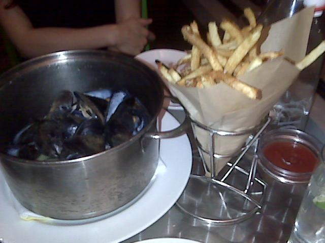 Flex Mussels 174 E 82nd St Ny Ny Bigforkinmouth Com